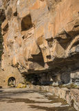 Entrada al monasterio de Sant Miquel del Fai Imagenes de archivo