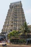Entrada alta del templo en Kanchipuram, la India Fotos de archivo
