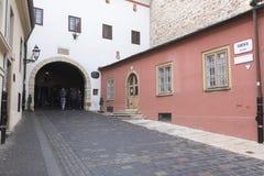 Entrada antigua a la vieja área de la ciudad en Zagreb, Croacia Imagenes de archivo
