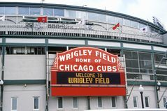Entrada ao campo de Wrigley, casa dos Chicago Cubs, Chicago, Illinois Foto de Stock