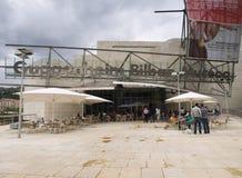 Entrada ao museu de Guggenheim em Bilbao, Spain Imagens de Stock Royalty Free