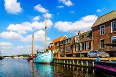 Entrada ao porto da aldeia piscatória histórica de Bunschoten-Spakenburg fotografia de stock