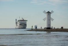 A entrada ao porto, Swinoujscie Fotos de Stock Royalty Free