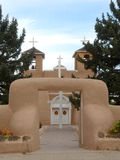 A entrada ao San Francisco de Asis Church em Taos, mia mim Foto de Stock Royalty Free