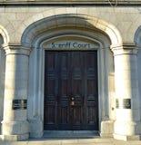 Entrada ao xerife Court de Aberdeen, Aberdeen, Escócia Imagens de Stock
