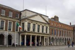 A entrada aos apartamentos de estado de Dublin Castle Ireland foto de stock
