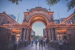 Entrada aos jardins de Tivoli em Copenhaga fotografia de stock royalty free