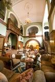 Entrada clássica do hotel fotografia de stock