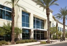 Entrada corporativa moderna del edificio de oficinas Fotos de archivo