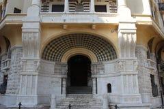 Entrada da casa de Coppedè em Roma imagem de stock