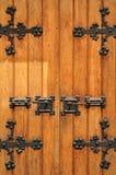 Entrada da igreja com portas de madeira Fotografia de Stock Royalty Free