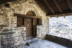 Entrada da igreja em Andorra foto de stock