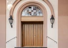 Entrada da igreja protestante em Neuwied Heddesdorf foto de stock royalty free