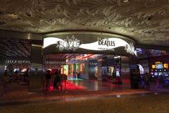 Entrada da mostra do amor de Beatles na miragem em Las Vegas, nanovolt em agosto Imagens de Stock