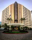Entrada de Embassy Suites en San Diego fotografía de archivo libre de regalías