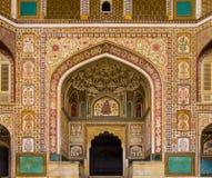 Entrada de Ganesh Pol en Amber Fort Palace, Jaipur, Rajasthán, la India fotos de archivo
