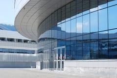 Entrada de información en un edificio moderno Fotografía de archivo libre de regalías