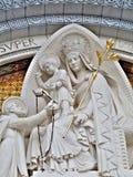 Entrada de la basílica de Lourdes Fotografía de archivo libre de regalías