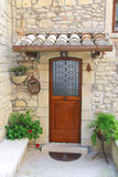 Entrada de la casa italiana pintoresca foto de archivo libre de regalías
