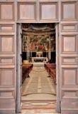 Entrada de la catedral de Spoleto fotografía de archivo