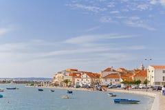 Entrada de la ciudad de Seixal, y opinión de la bahía de Seixal Imagen de archivo