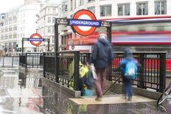 Entrada de la estación del metro de Londres Imagen de archivo
