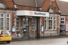 Entrada de la estación de Scunthorpe - Scunthorpe, Lincolnshire, K unida fotos de archivo