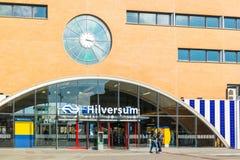 Entrada de la estación de tren de Hilversum, Países Bajos Foto de archivo