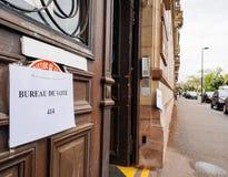 Entrada de la puerta de bureau de vote Francia del colegio electoral Imágenes de archivo libres de regalías