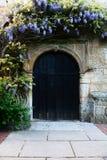 Entrada de la puerta de la iglesia Imágenes de archivo libres de regalías