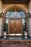 Entrada de la puerta principal al hogar imagen de archivo libre de regalías