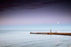 Entrada de porto em Whitby Yorkshire norte, Reino Unido em Foto de Stock