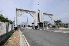 Entrada de Puncak Alam Mosque en Selangor, Malasia Fotos de archivo libres de regalías