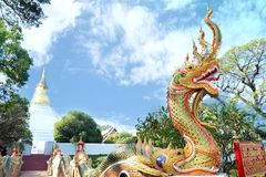 A entrada de templos tailandeses Fotos de Stock Royalty Free