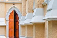 Entrada de uma igreja Imagens de Stock Royalty Free