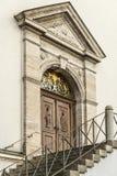 Entrada de una iglesia Imagenes de archivo