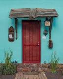 Entrada de Viejo del barrio hispano Fotos de archivo