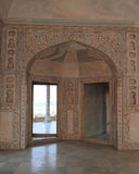Entrada decorada do arco no forte de Agra Fotos de Stock Royalty Free