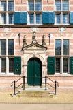 Entrada del ayuntamiento Naarden, Países Bajos imagen de archivo