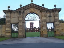 Entrada del castillo Foto de archivo libre de regalías