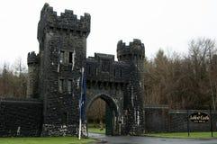 Entrada del castillo de Ashford, Co. Mayo - Irlanda Imágenes de archivo libres de regalías