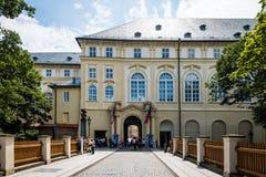 Entrada del castillo de Praga en Praga, República Checa Fotografía de archivo libre de regalías
