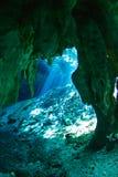 Entrada del cenote de Gran Imagenes de archivo