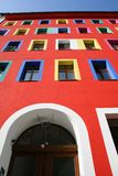 Entrada del edificio imagenes de archivo