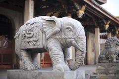 Entrada del elefante del templo del nanputuo Fotos de archivo libres de regalías