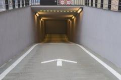 entrada del garaje de subterráneo Fotografía de archivo libre de regalías