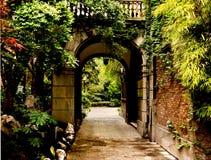 Entrada del jardín Imágenes de archivo libres de regalías