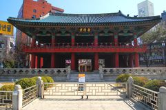 Entrada del pabellón de Bosingak Bell, Seul Fotografía de archivo
