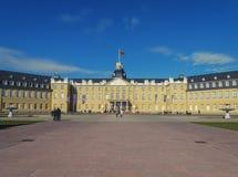 Entrada del palacio de Karlsruhe Foto de archivo libre de regalías