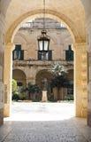 Entrada del palacio de los amos magníficos Imágenes de archivo libres de regalías